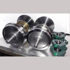7¼ Narrow Gauge Set 4 Wheels with Axles, Sprockets, Bearings